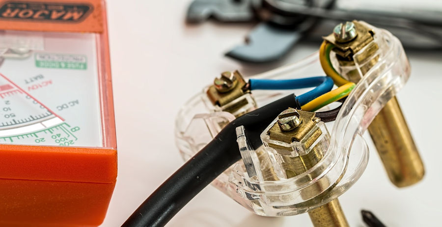 electrical repairs never diy project